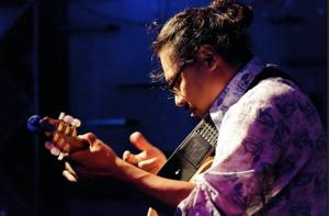 Danny Godinez in Concert (Online)